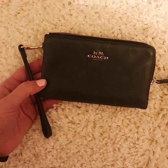 Coach Handbags - Coach wristlet/wallet